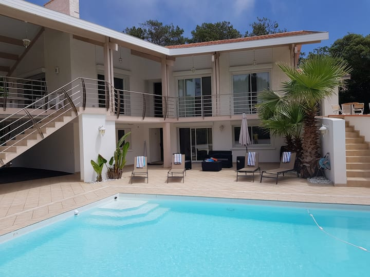 Villa spacieuse piscine bord plage HOSSEGORhenriet
