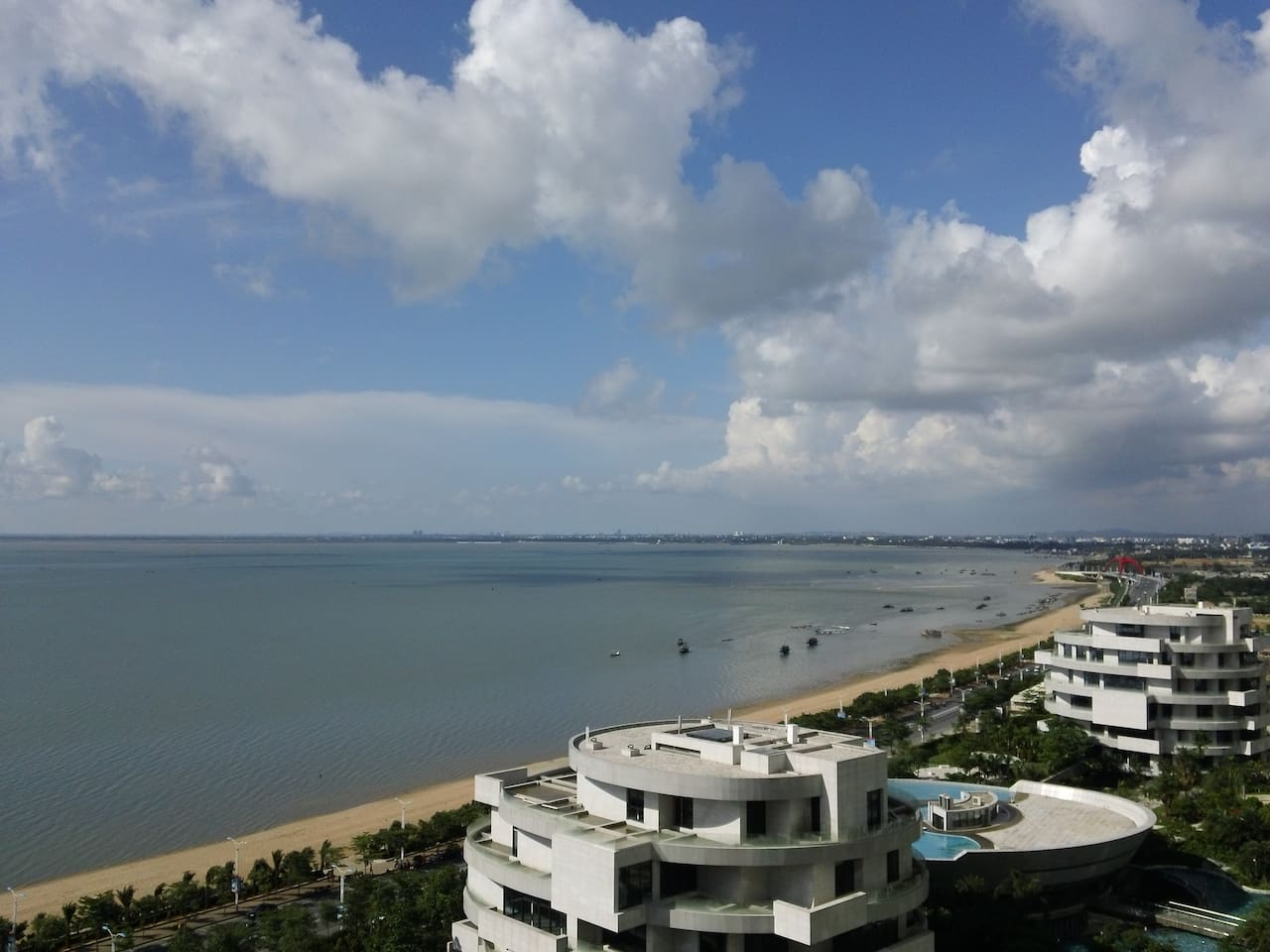 View from the balcony (在本房阳台观海)