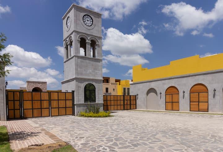 Perfect Getaway in San Miguel de Allende,Zirándaro