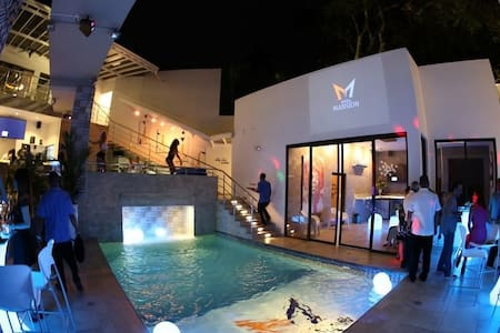 Royal Mansion luxury Party Mansion