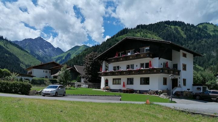 Haus Almrausch i.d. Zugspitzarena Wo.Stärke Berge