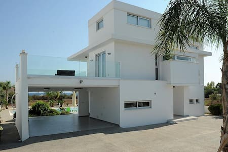 Villa for rent in Agia Napa with great pool and SV - アギアナパ - 別荘
