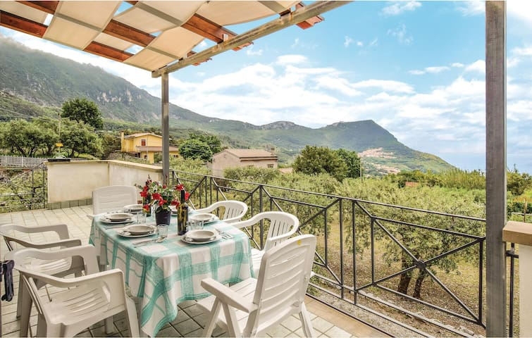 Semi-Detached with 3 bedrooms on 90m² in Maratea - PZ