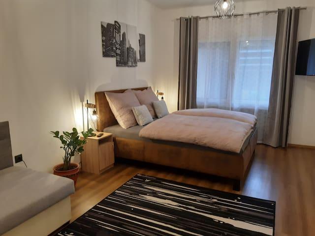 Mokka Family Apartman  / Kertre néző, teraszos