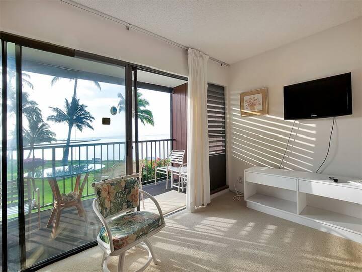 Mellow Vibe at Ocean's Edge! Flat Screen, Lanai+Kitchen For Meal Ease–Molokai Shores 204