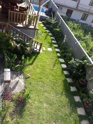 21LG Garden