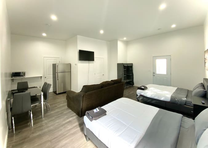 Studio Suite Near Burbank