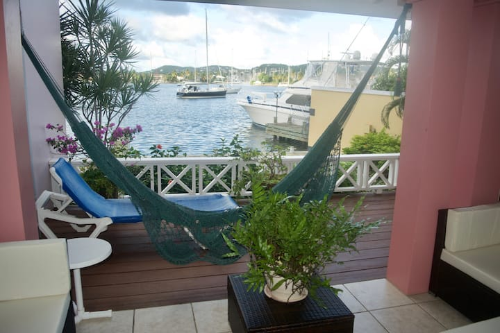 The Harbour Water-Front 1-Bed/Apt with Pool, #14a