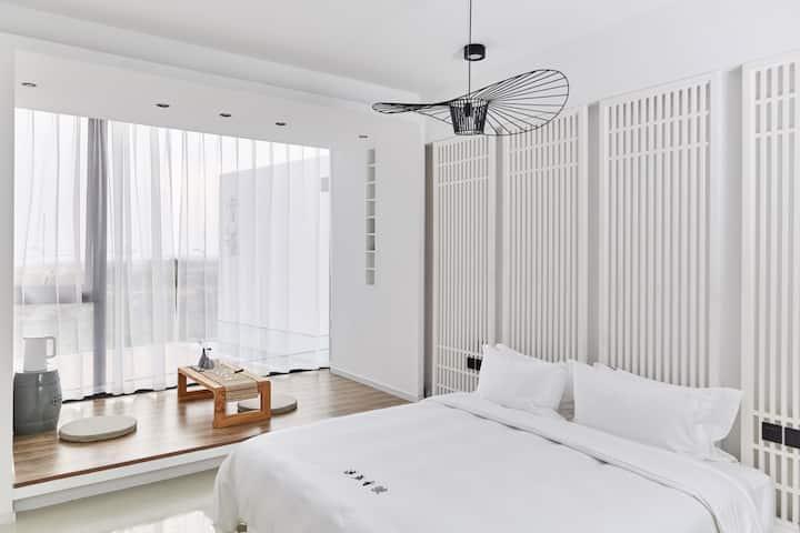 海景别墅•网红落地窗•近机场·设计师民宿·免费咖啡
