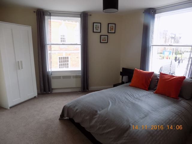 Church Street - Tamworth - Apartment