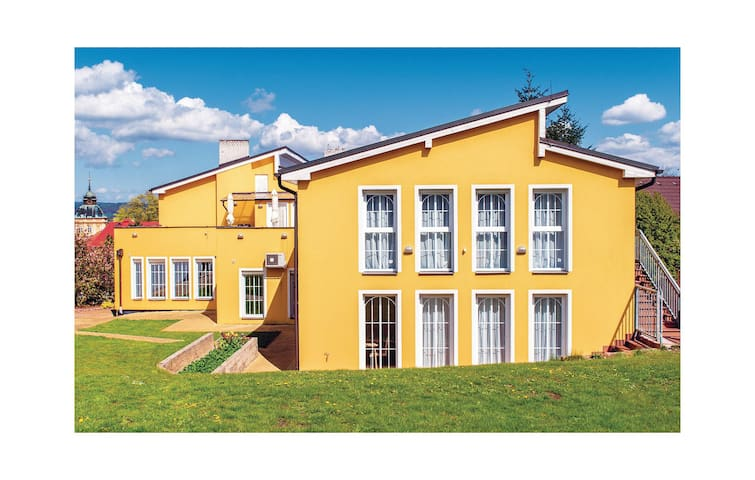 Holiday cottage with 8 bedrooms on 400 m² in Horovice