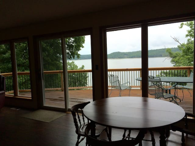 Perfect lake house with direct water access - Rogers - Hus