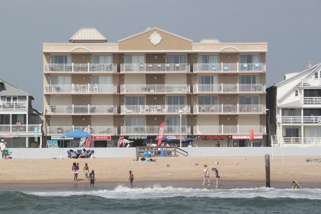 Fabulous Large Ocean Front Condo On The Boardwalk Condominiums For Rent In Ocean City