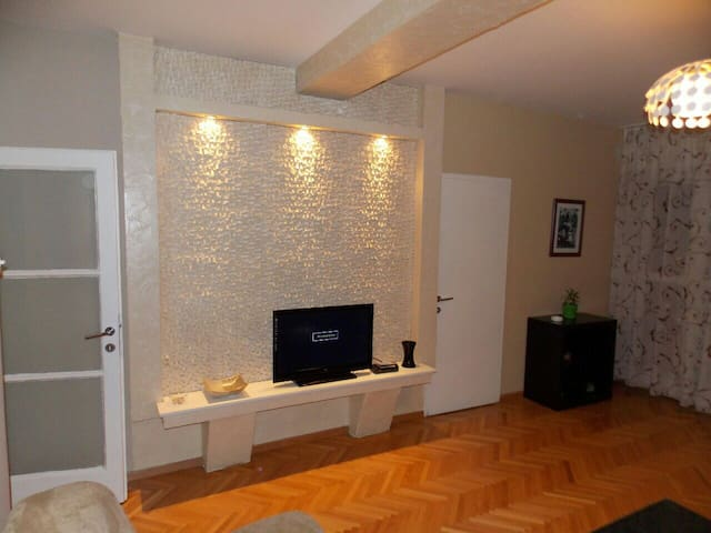 Super central and spacious two bedroom apartment