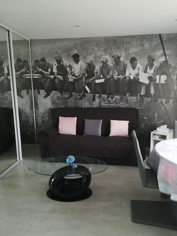 Petite maison indépendante et tranquille