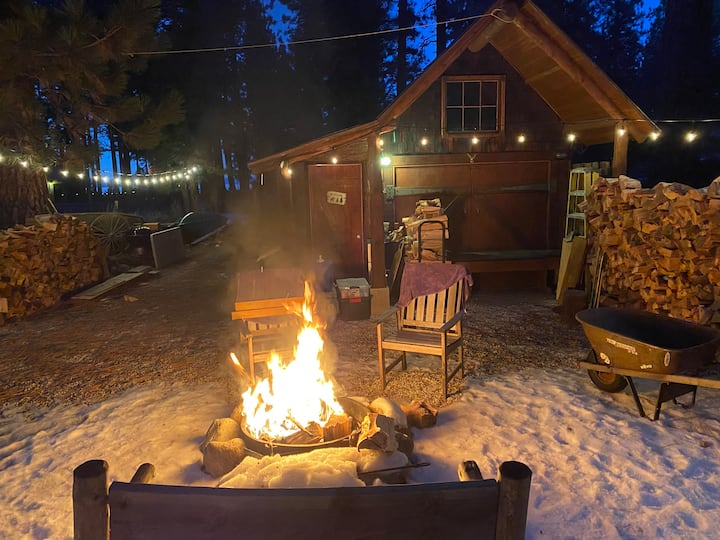 Tiny House Christmas Rental
