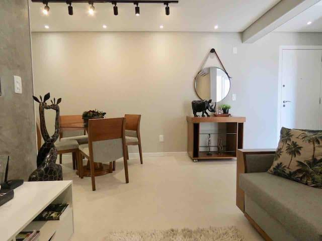 Sala confortável e aconchegante