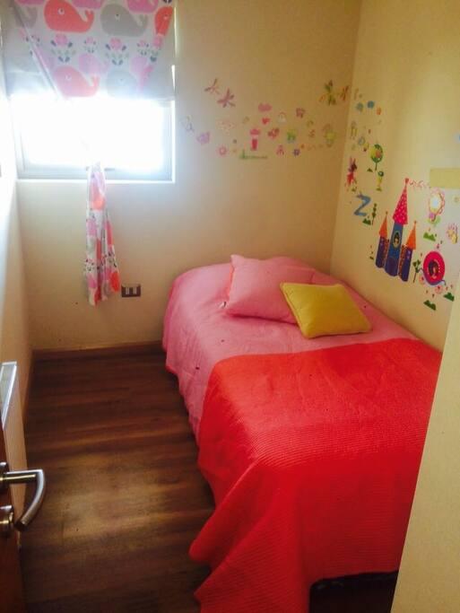 pieza habilitada con litera dos camas