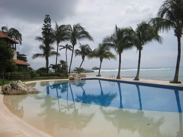 Resort with pools, marina, beach - Puerto Aventuras - Appartement