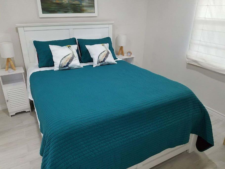 1 Bedroom (Queen Size)