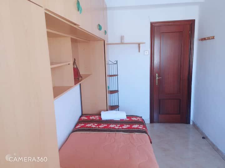 Habitación sencilla en la Patacona- Malvarrosa
