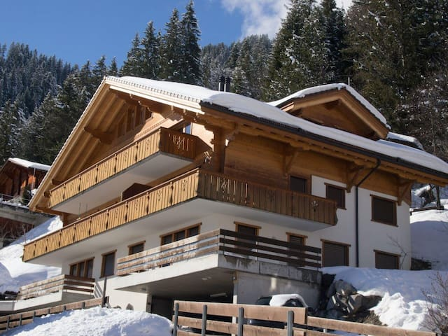 Luxeriöse Dachwohnung für bis zu 12 Personen - Adelboden - Apartment
