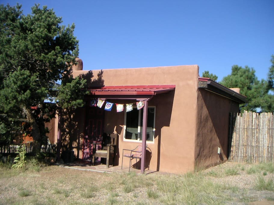 Enchanted sky casita cabins for rent in santa fe new for Santa fe new mexico cabin rentals