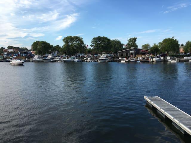 Harbor @ State & Main - Racine - Apto. en complejo residencial