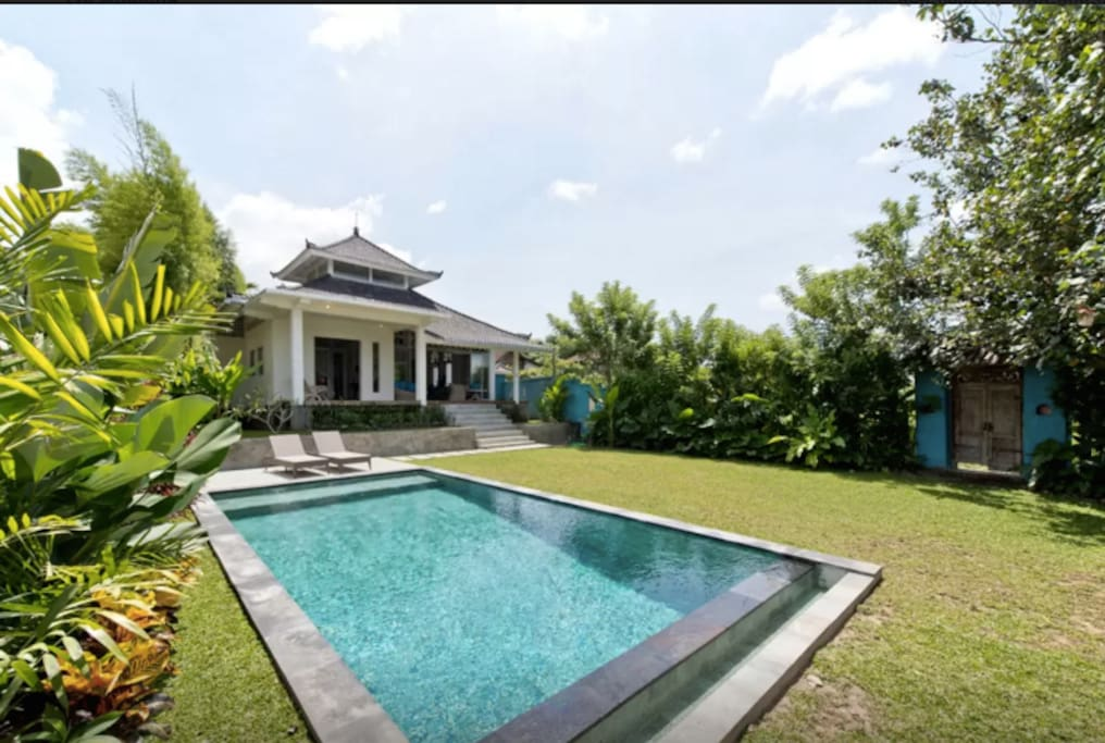 Villa cahaya 2 bedroom tranquility garden pool villas for Garden pool villa ubud