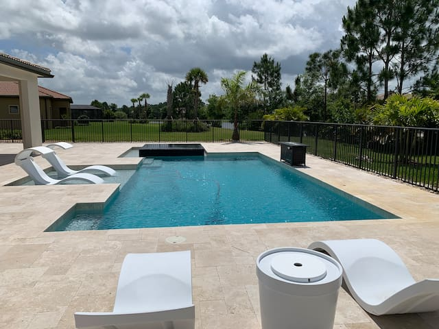 Enjoy your private pool with infinity hot tub