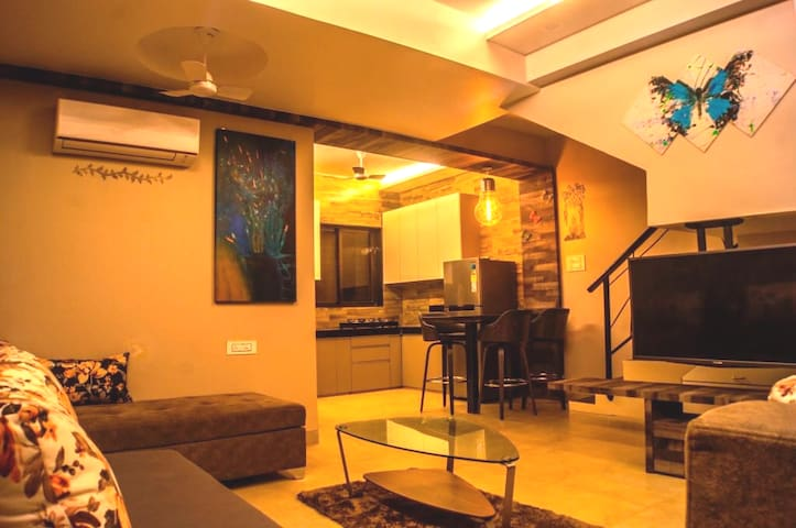 Cosy, Smart bunglow.LONAVALA.Mountain view(50%OFF)