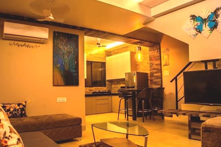 HAVE -Cosy bunglow-2Bhk LONAVALA.Mountain view