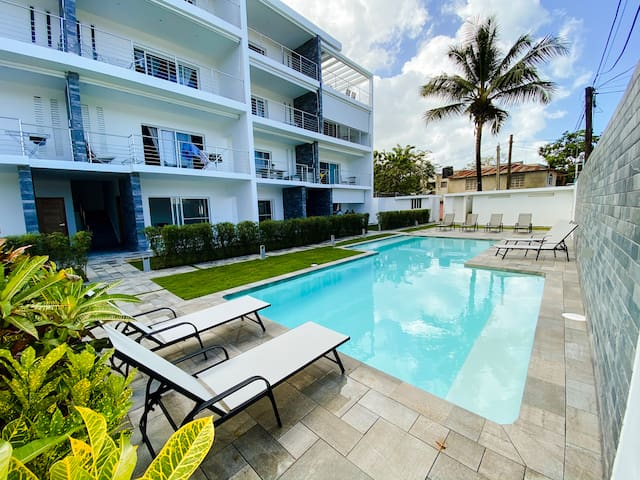 NEW CONDO ,4pax,Beach walking dist. pool,Wifi,A/C