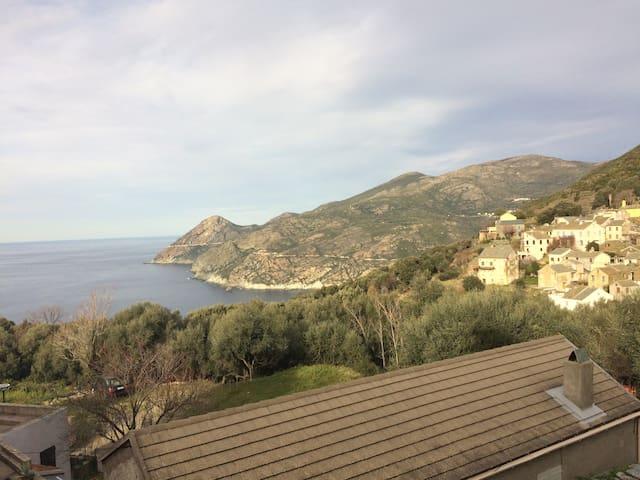 Maison de charme avec vue mer dans le Cap Corse