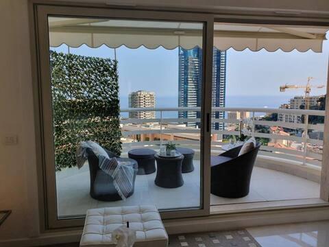 Lussuoso appartamento vista Mare e Monaco