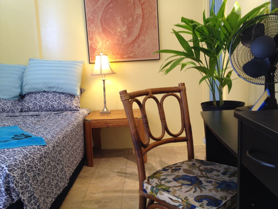Comfortable private secure studio with a  central Waikiki location.