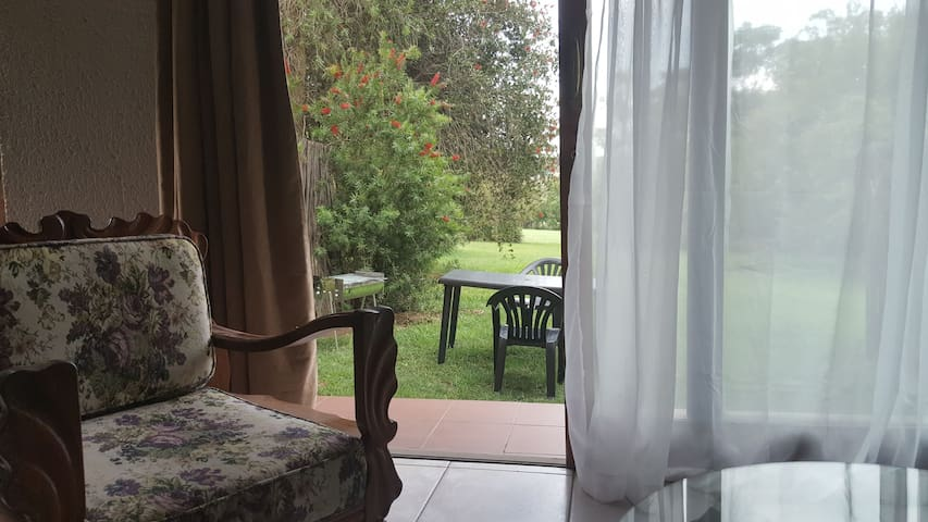 Spacious 2 Bedroom Garden Cottage - Nature-rich
