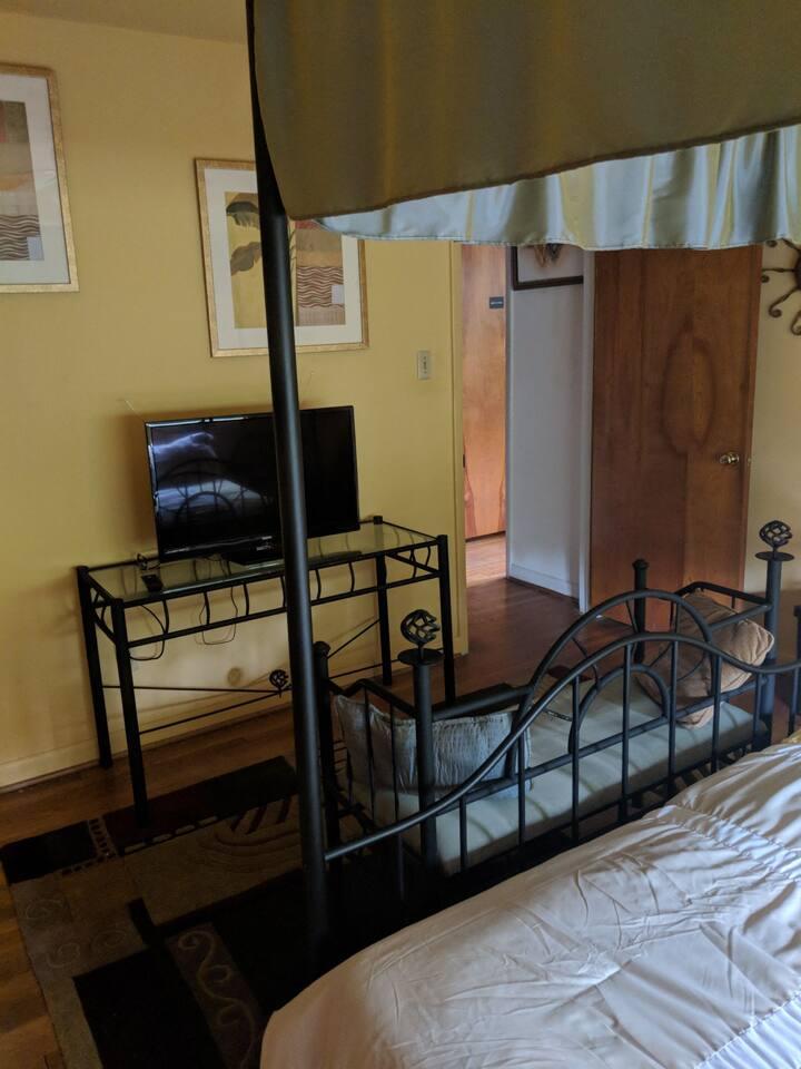 Zee wee 2nd Airbnb room