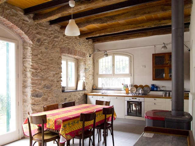 rustico su due piani con giardino - Toirano - Rumah
