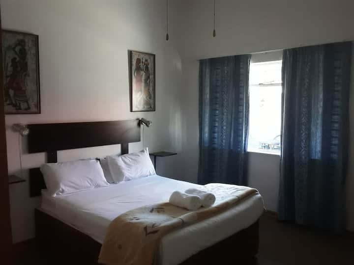 Boer en Brit Self Catering Double Room
