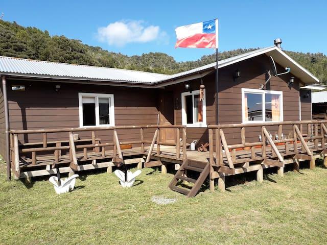Hermosa cabaña ubicada a 60 km de Osorno.