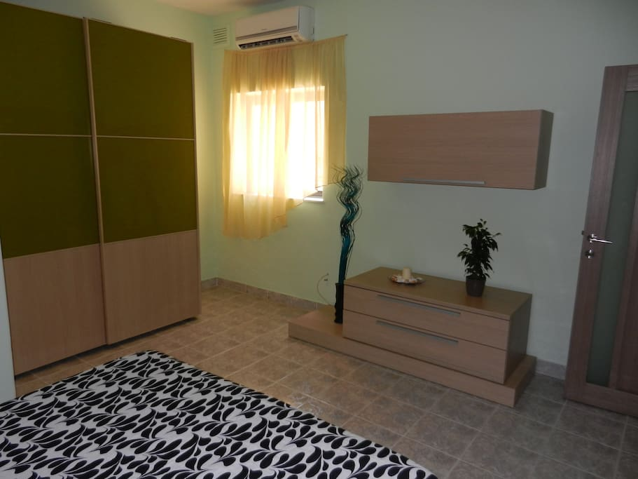 Bebroom 1 with double bed
