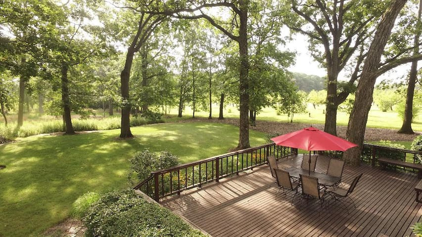 Luxury Home on 3 Acres near Great Lakes Naval Base