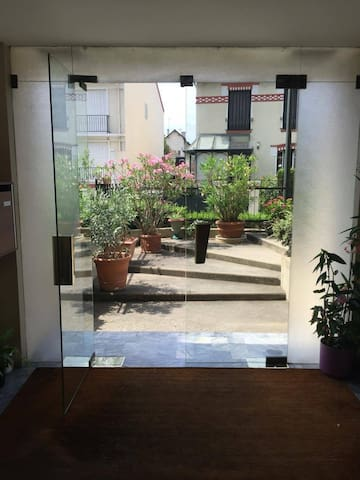 Bright studio, next to Paris Center (15 mn) - Bourg-la-Reine - Apartamento