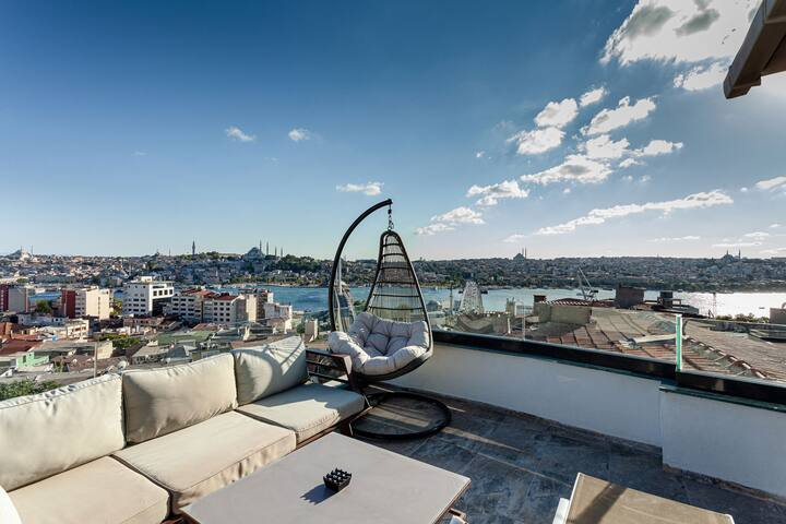 STUNNING LOFT WITH TERRACE SEAVIEW
