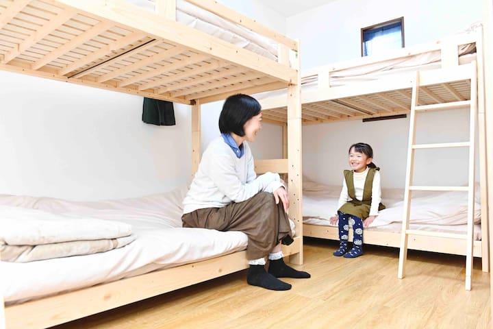ベッドルーム 2F bedroom