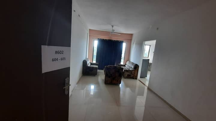 2 BHK Sea View. 2 mnt walking distance from beach.