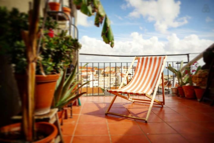 Charming flat with terrace in Graça