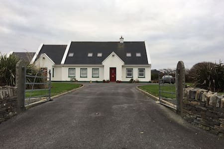 Beautiful, spacious, sea view - Co Clare - Rumah