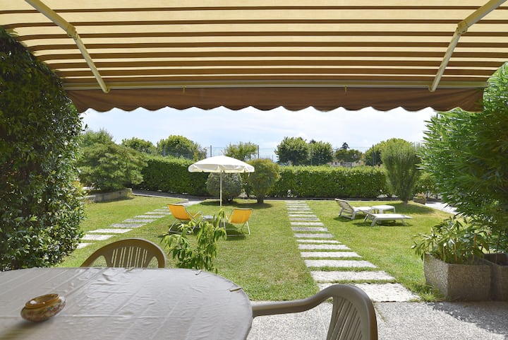 "Holiday Apartment ""Appartamento dei Salici"" with Garden, Pool, Air Conditioning & WiFi; Parking Available, Pets Allowed"